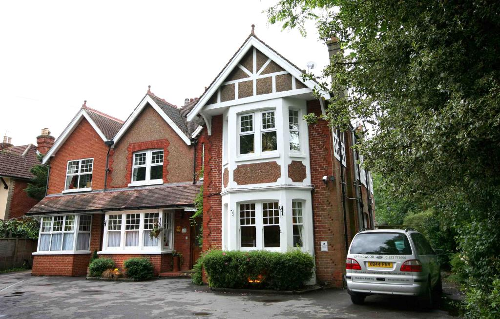 Springwood Guest House Gatwick