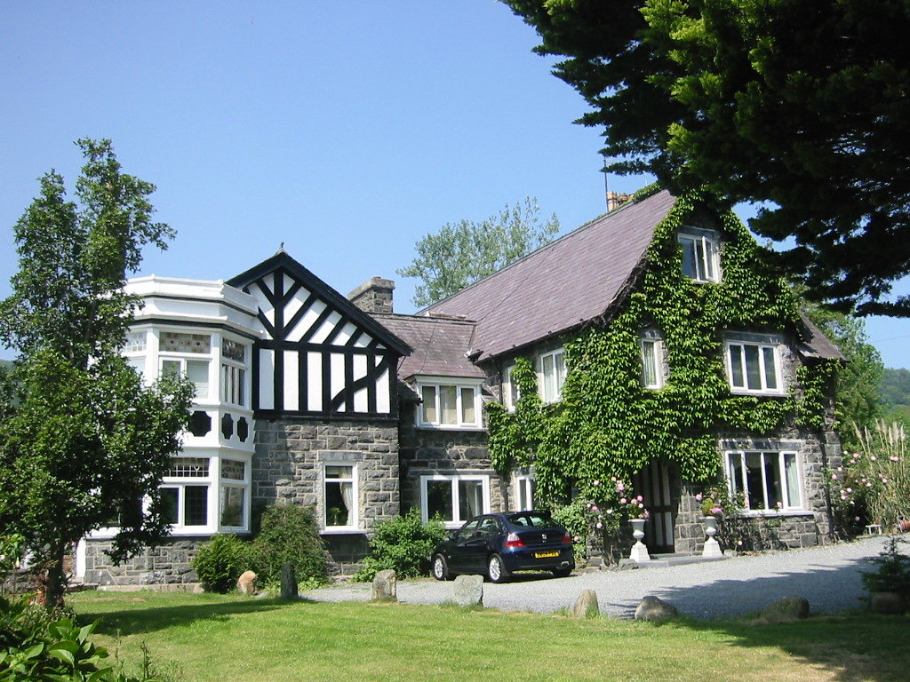 Gwern Borter Country Manor