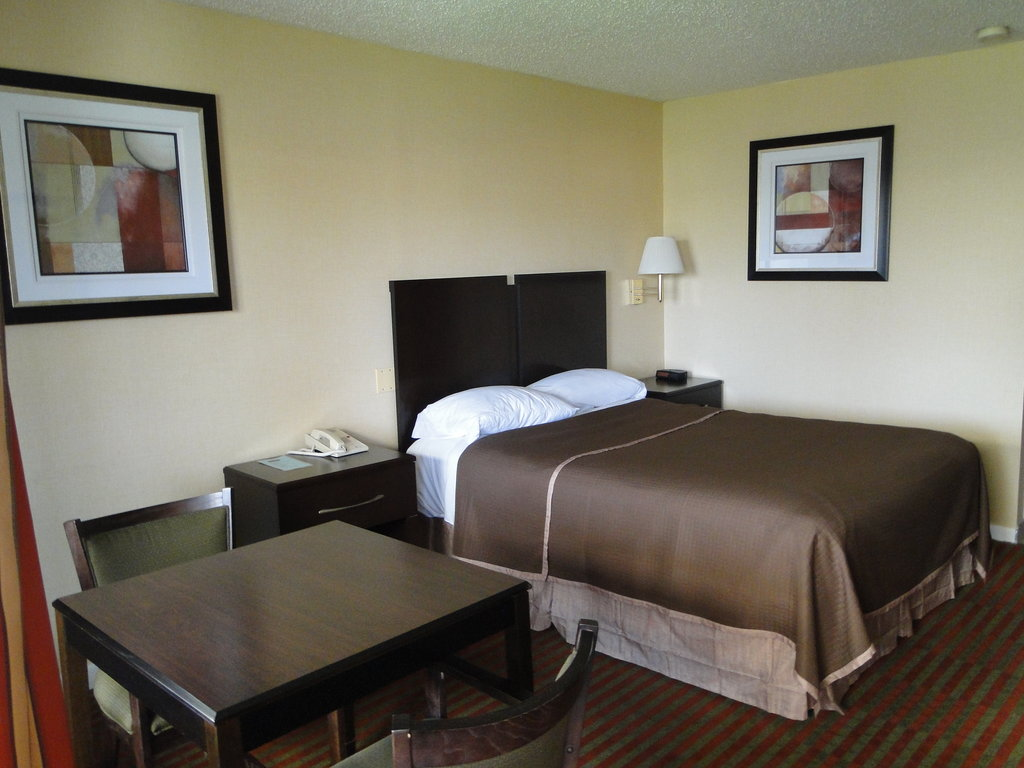 Howard Johnson Express Inn - Rocky Hill