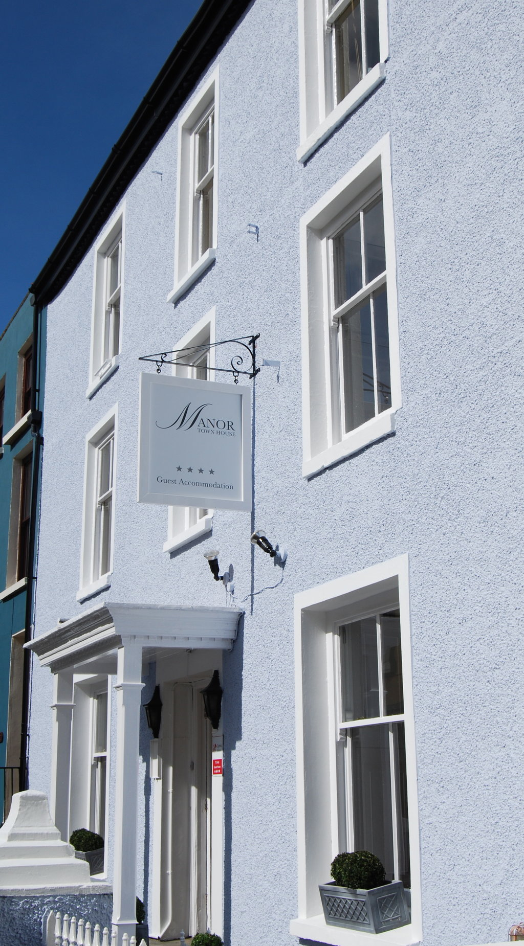 Manor Town House