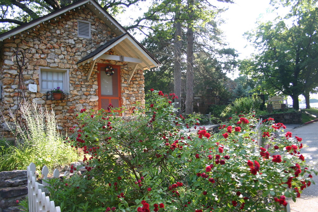 Rock Cottage Gardens B&B Inn