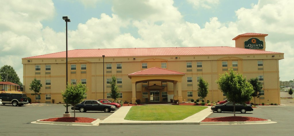 ‪La Quinta Inn & Suites Blue Springs‬