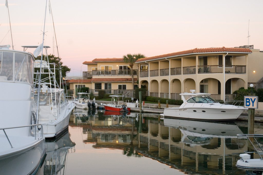 Inn at Camachee Harbor