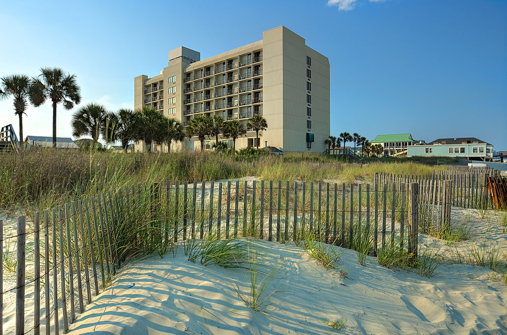 ‪Surfside Beach Resort‬