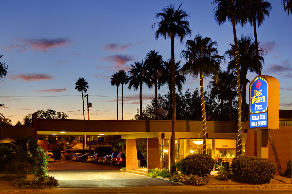 ‪BEST WESTERN Royal Sun Inn & Suites‬