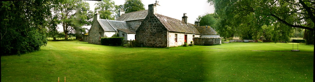 Dell of Abernethy Cottages