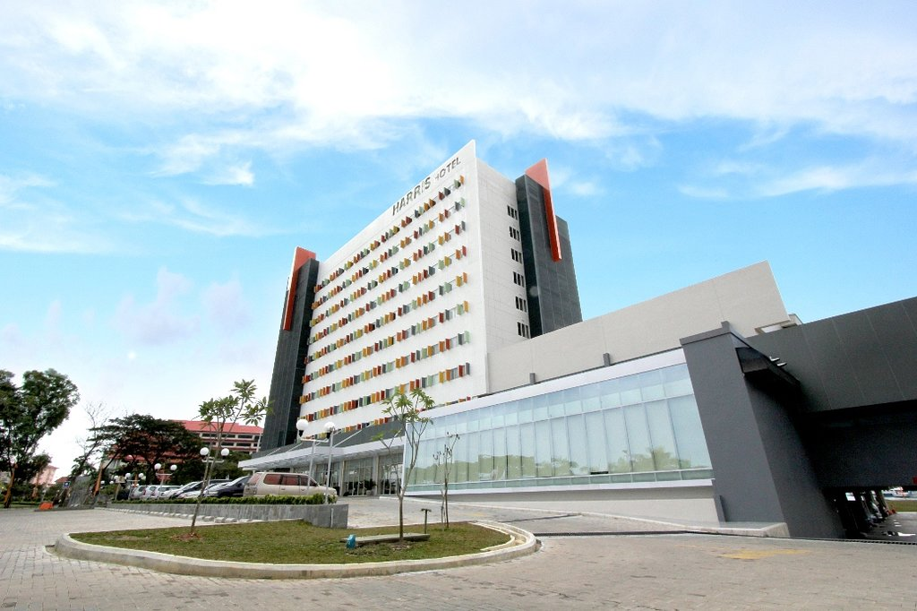 ‪Harris Hotel Batam Center‬