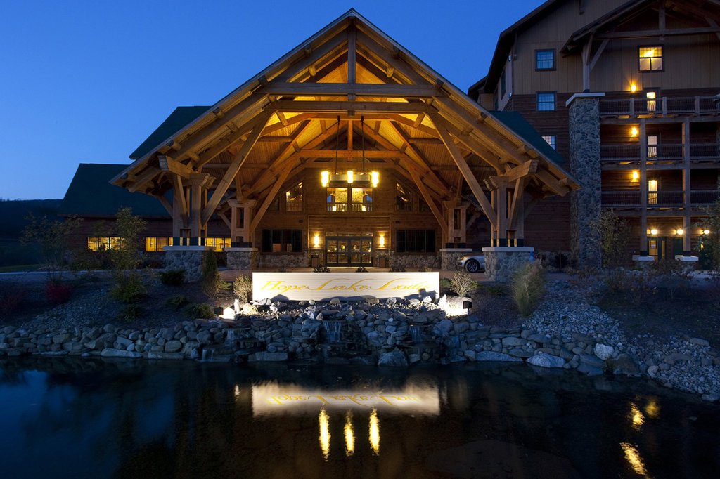 ‪Hope Lake Lodge & Conference Center‬