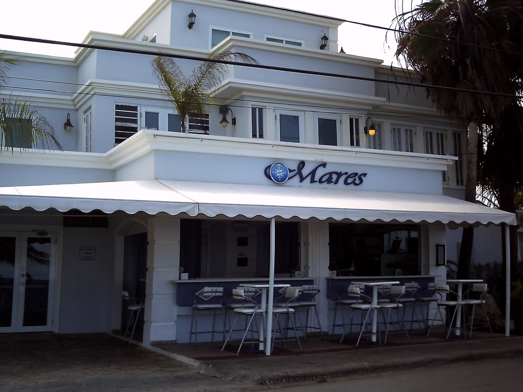 Mares Guesthouse & Restaurant