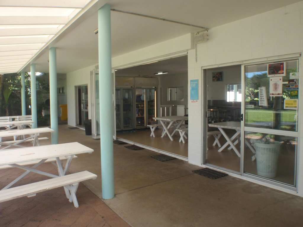 Absolute Backpackers Mission Beach
