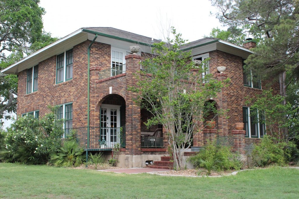 Far View - A Bed and Breakfast Estate
