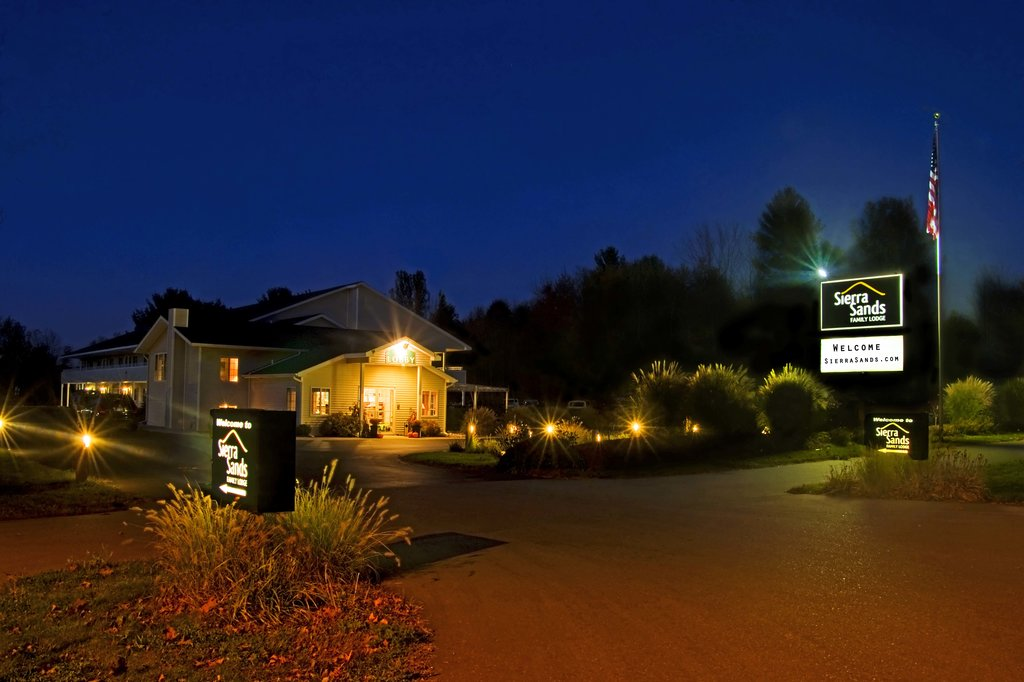 Sierra Sands Family Lodge