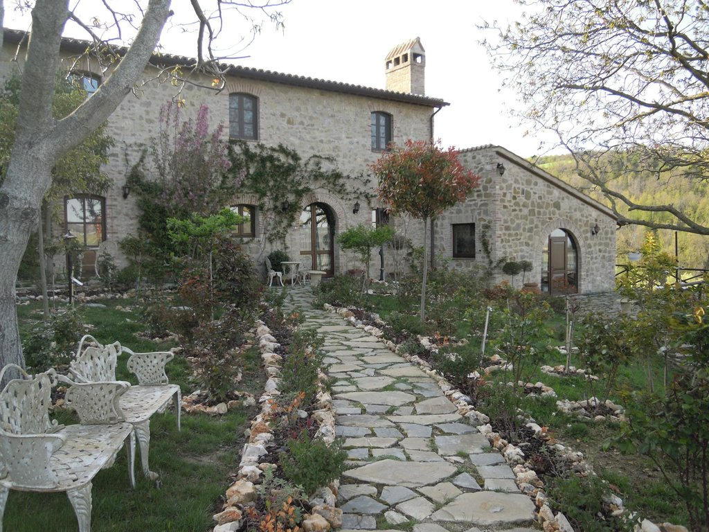 Assisi Glamour Country Hotel