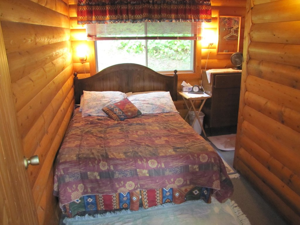 Bear Corner Bed and Bale