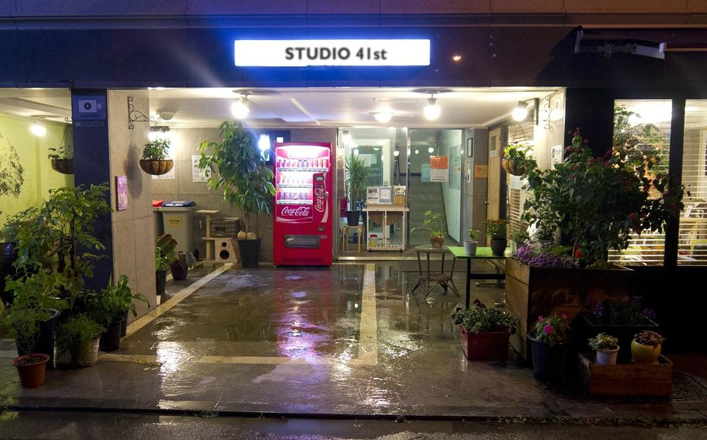 Studio 41st Hostel