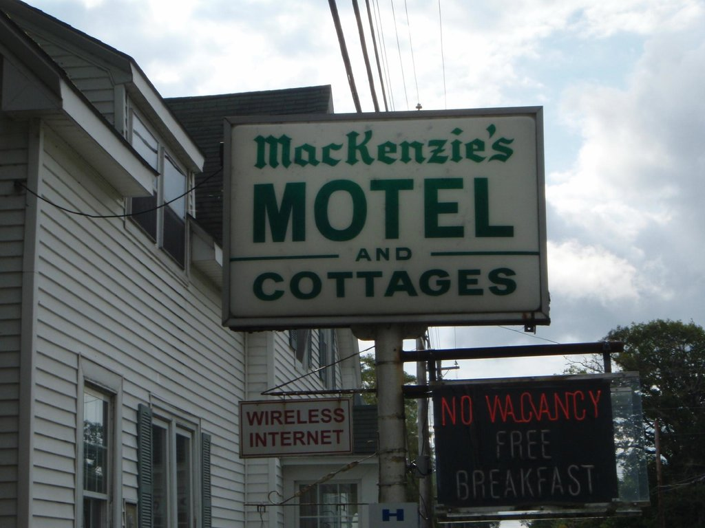 Mackenzie's Motel and Cottages