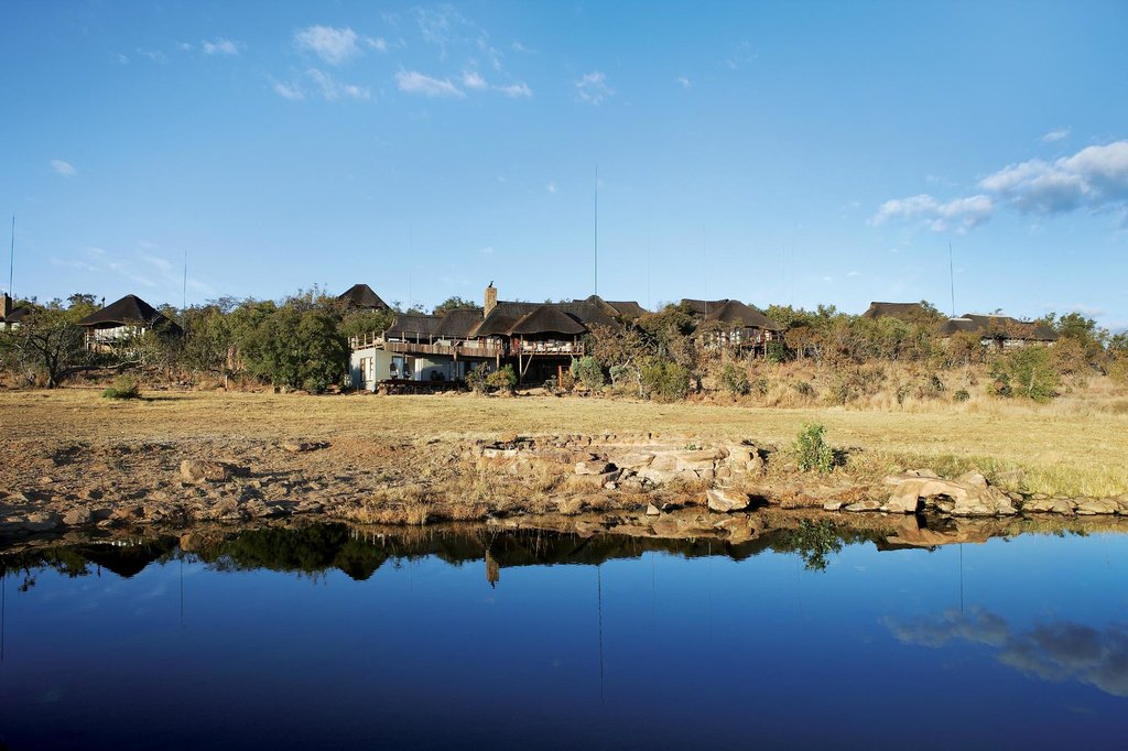 ‪Mhondoro Game Lodge‬