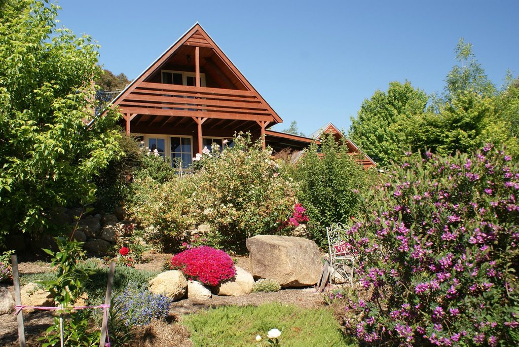 Country Charm Cottages