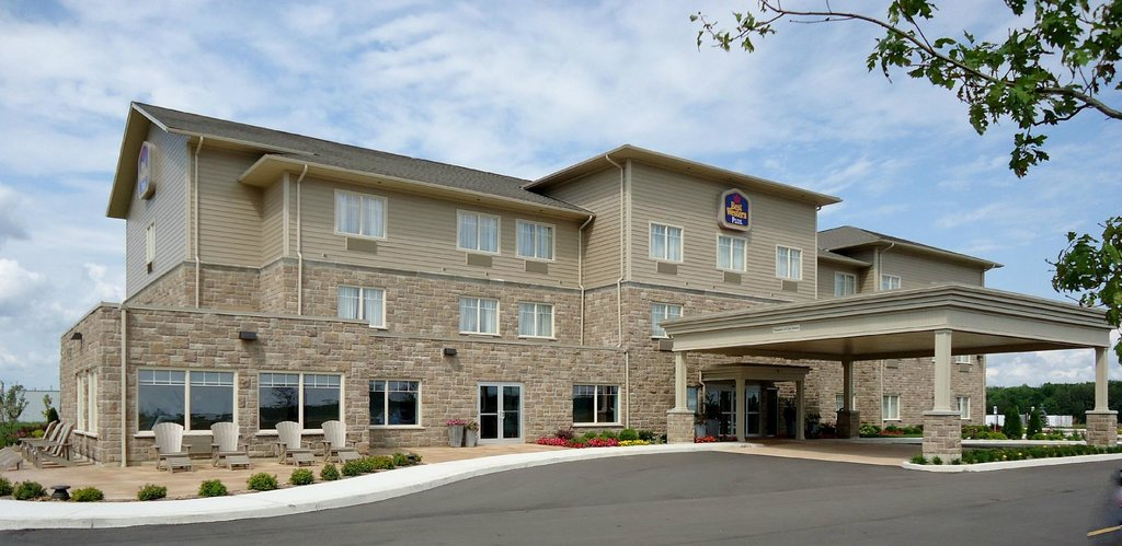 BEST WESTERN PLUS Walkerton East Ridge Hotel