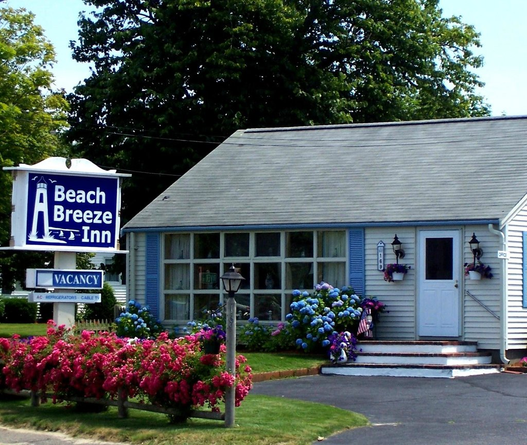 A Beach Breeze Inn
