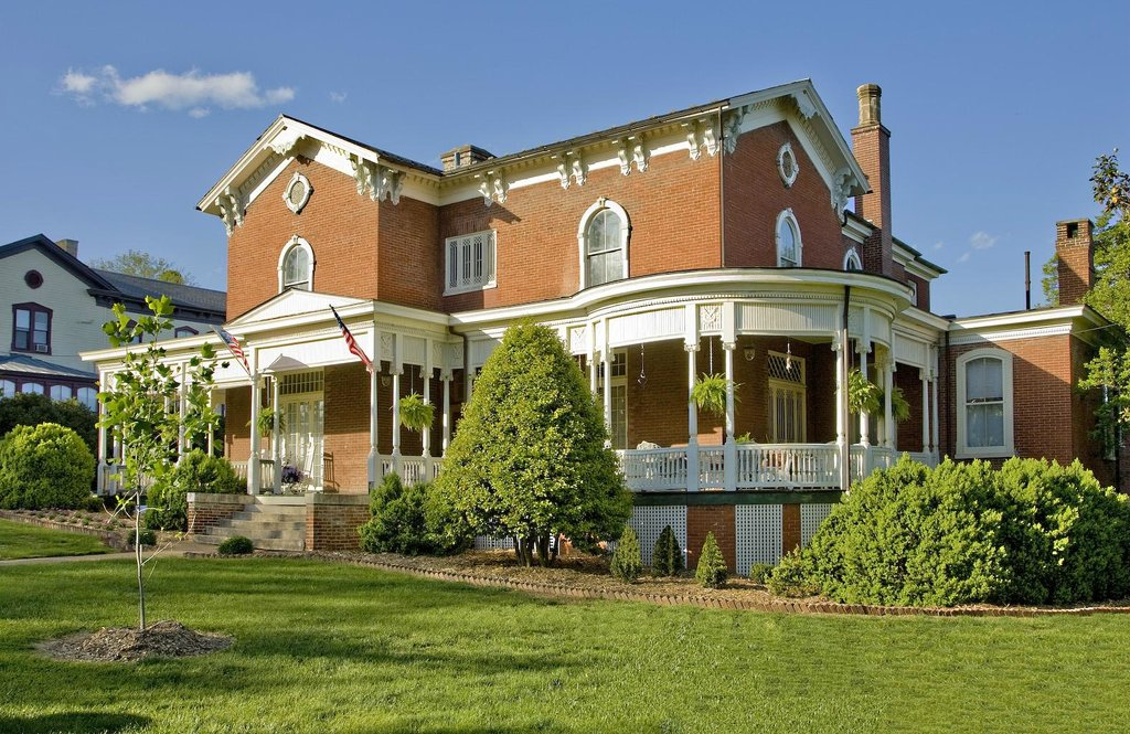 The Carriage House Inn Bed and Breakfast