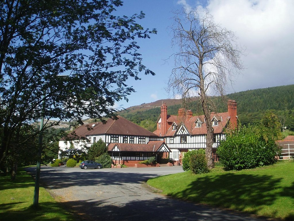‪Bryn Howel Hotel‬