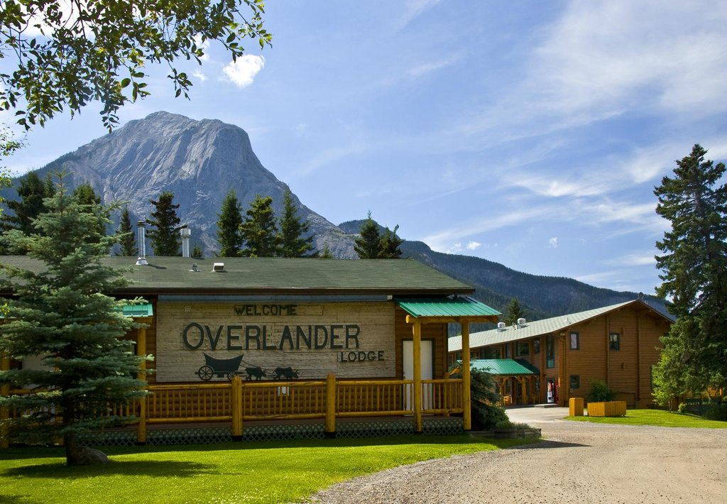 Overlander Mountain Lodge