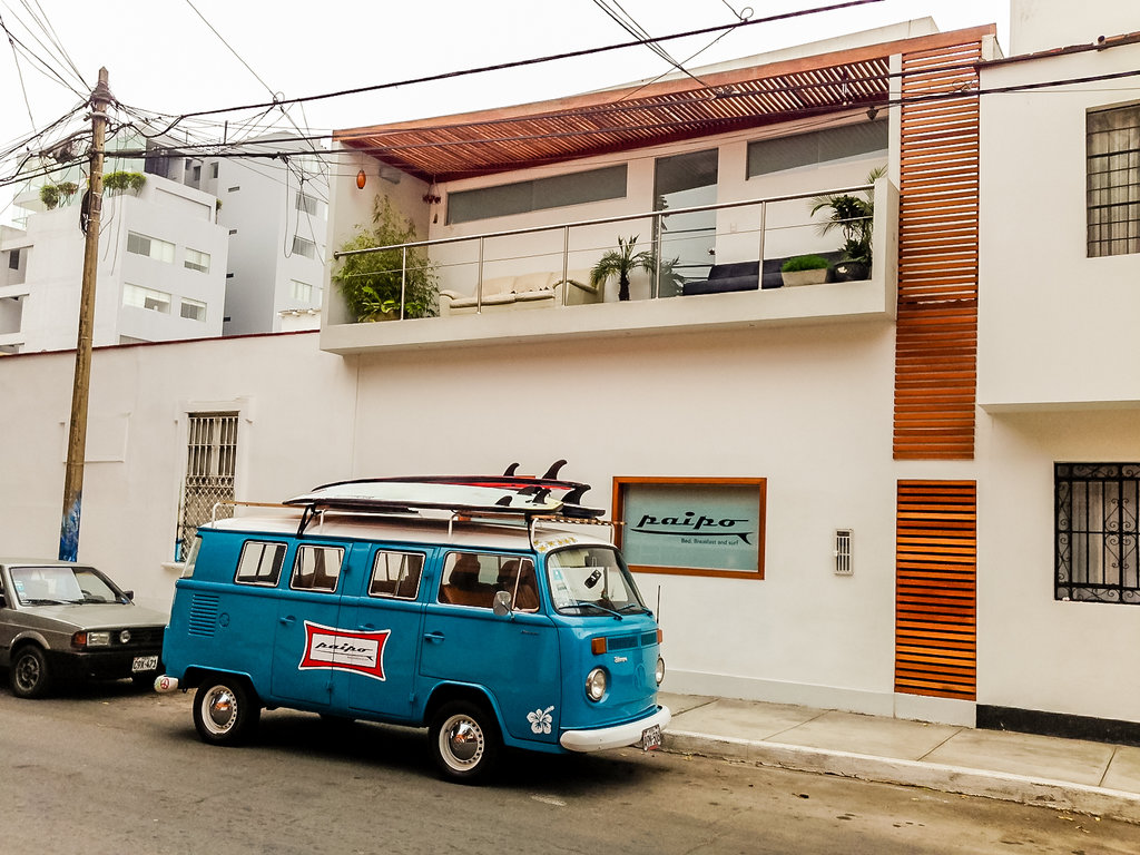 Paipo: Bed, Breakfast and Surf