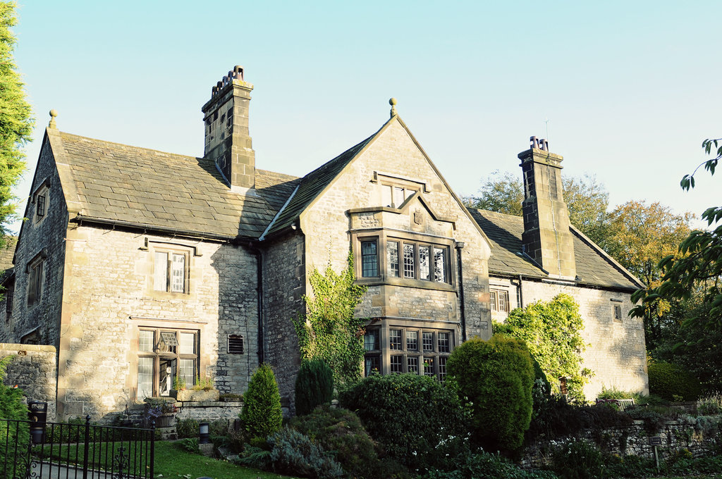 ‪YHA Hartington Hall‬