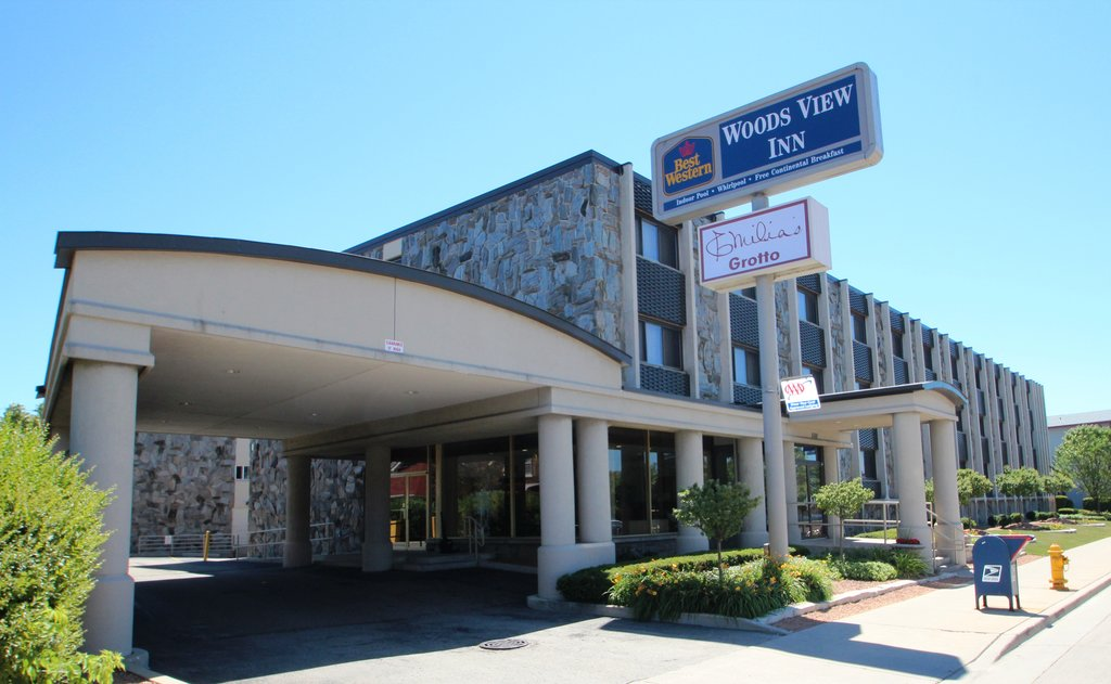 BEST WESTERN Woods View Inn