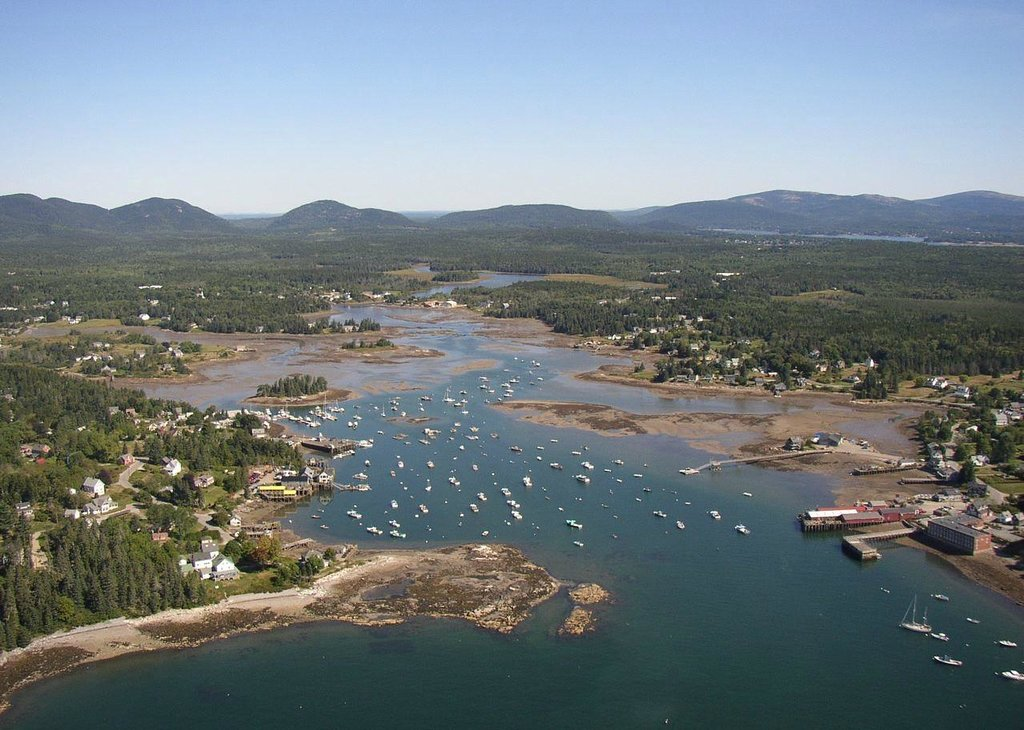 Bass Harbor Cottages and Country Inn