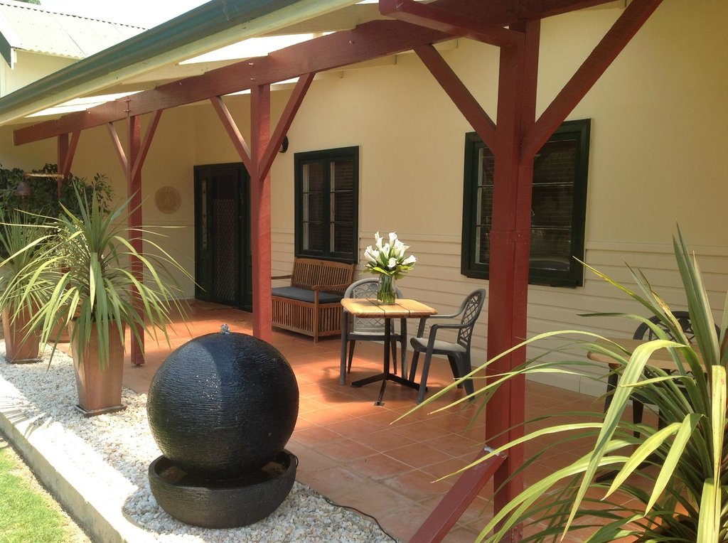Busselton Guest House - Beds by the Bay