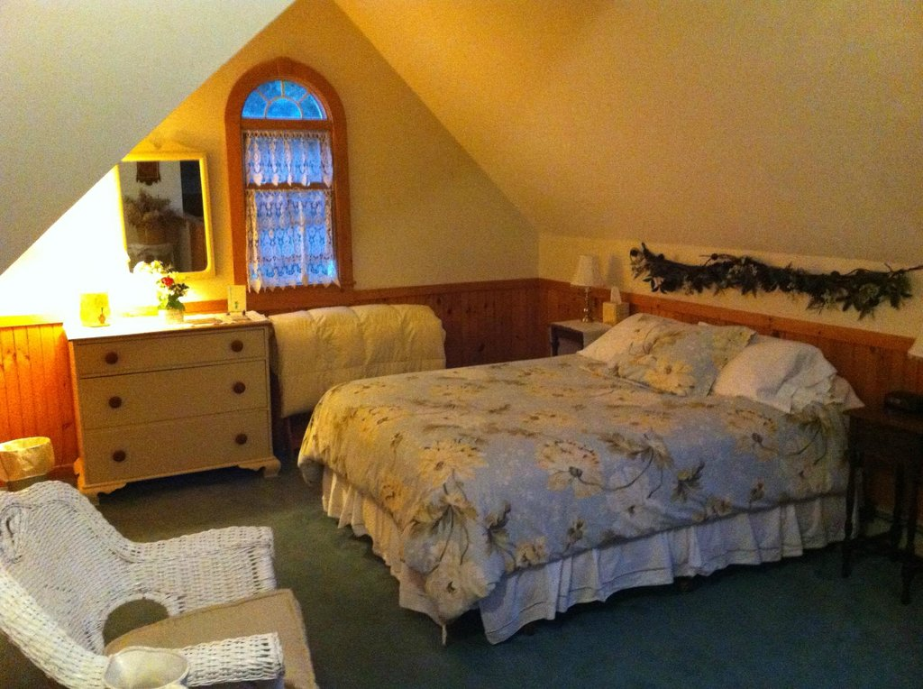 Mountain-Fare Inn Bed and Breakfast