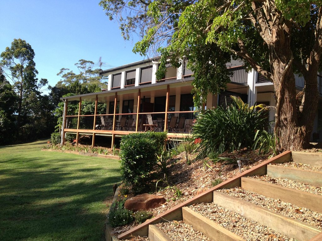 Mapleton Falls Accommodation