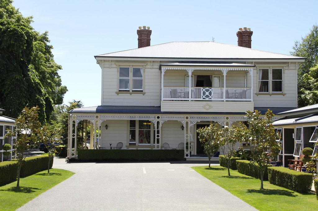 Merivale Manor