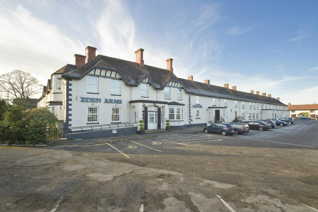 Bay Eden Arms Hotel