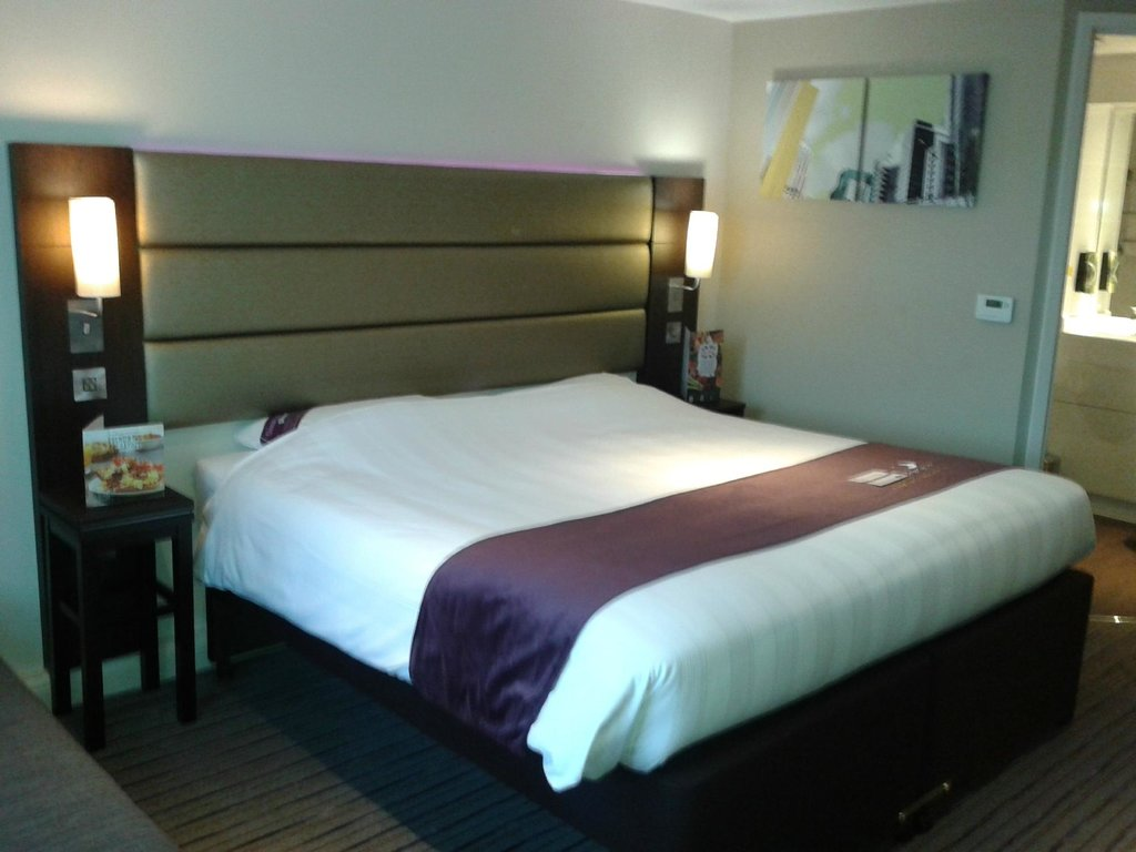 Premier Inn Caerphilly - Corbetts Lane