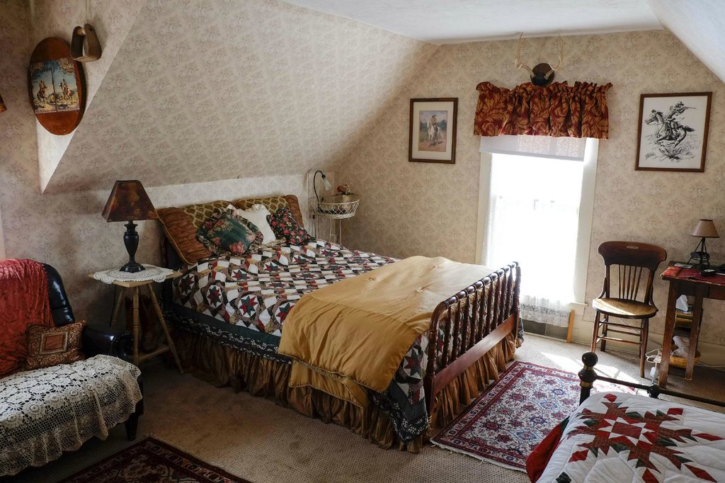 Pansy's Parlor Bed & Breakfast