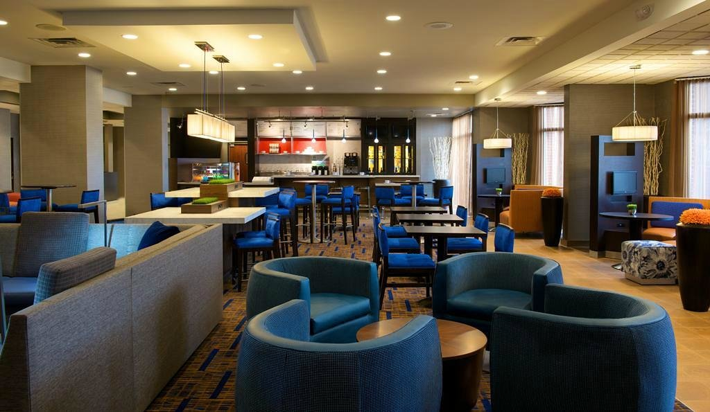 Courtyard by Marriott Bloomington