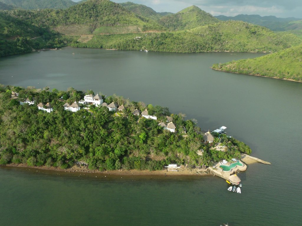 Puerto Del Sol Resort Hotel and Dive Center Coron