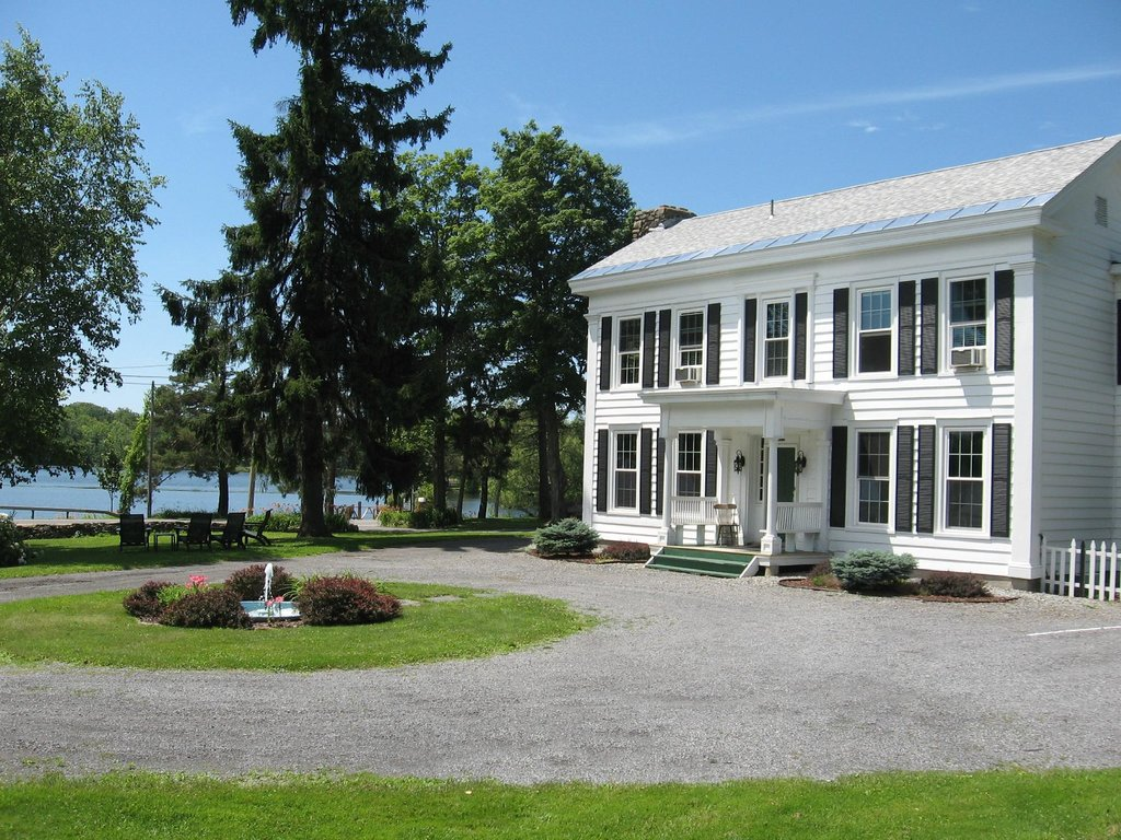 Mariaville Lake Bed & Breakfast