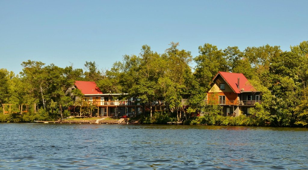 Currier's Lakeview Lodge