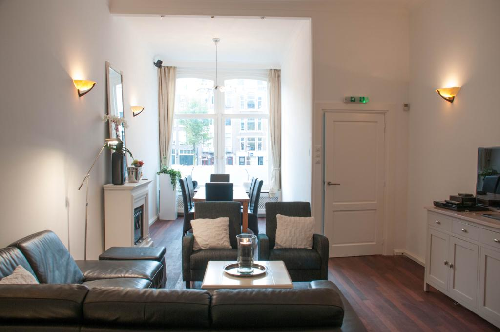 Chariot Amsterdam - canal apartment