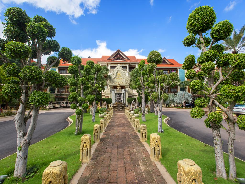 Empress Angkor Resort & Spa