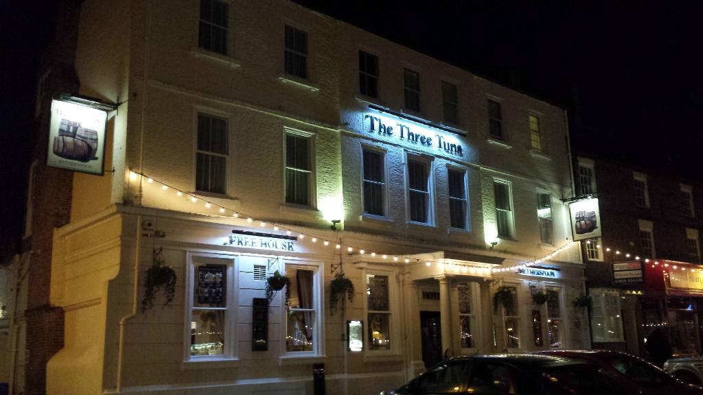 ‪The Three Tuns Thirsk‬