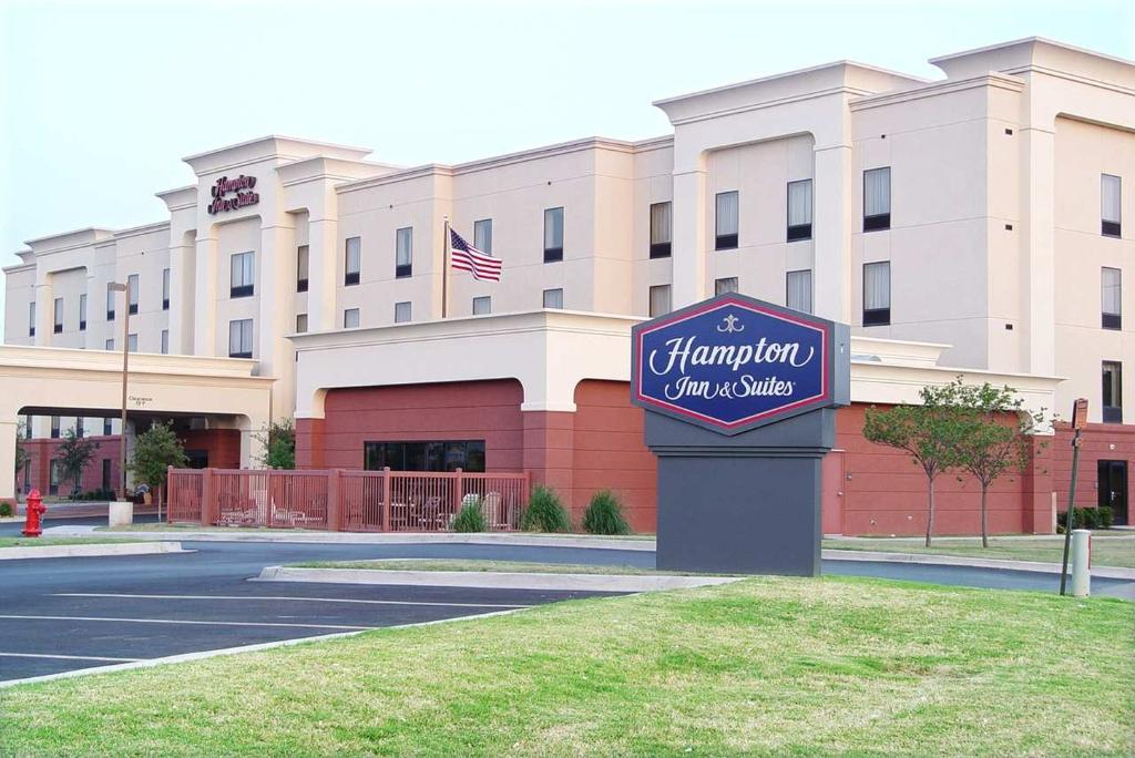 ‪Hampton Inn & Suites Lawton‬