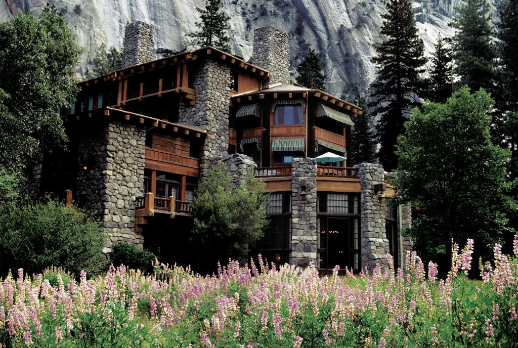 ‪The Ahwahnee‬