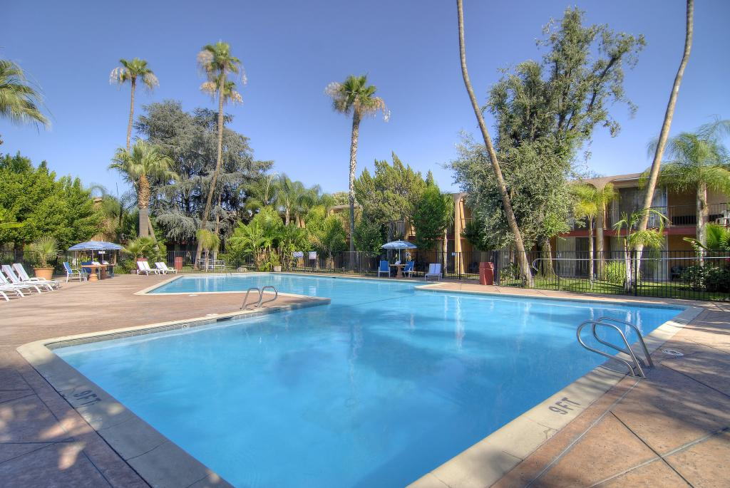 Palm Garden Inn & Suites