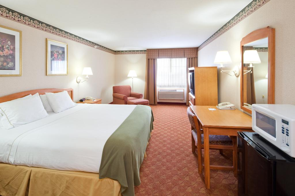 Holiday Inn Express Wauseon