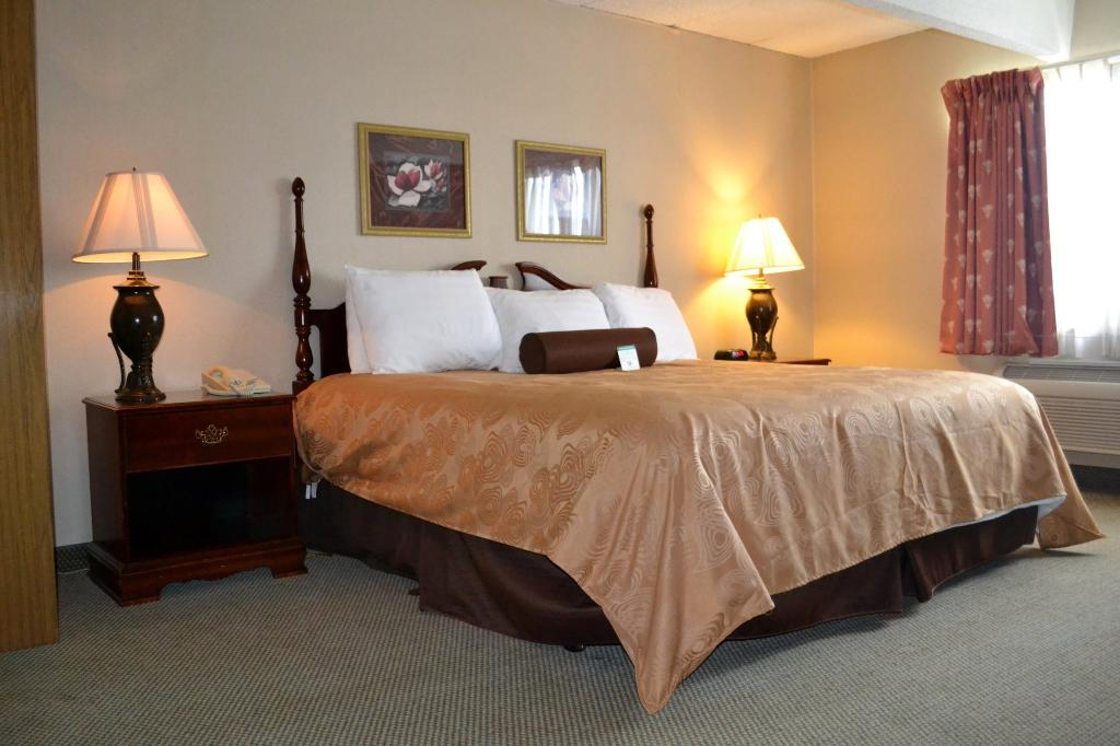 Eastland Suites Hotel & Conference Center of Champaign-Urbana